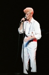 Bowie_1983_serious_moonlight[1]